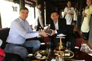 Làng Cà Phê Trung Nguyên vinh dự tiếp đón phái đoàn Đại sứ Australia