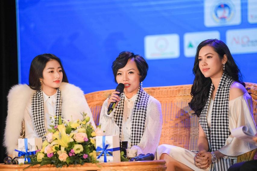 """Ca sĩ Thái Thùy Linh chia sẻ: """"Khát vọng là điều quan trọng nhất cần phải có trong mỗi bạn trẻ. Khi có khát vọng, bạn sẽ có động lực chiến đấu với mọi thách thức."""""""