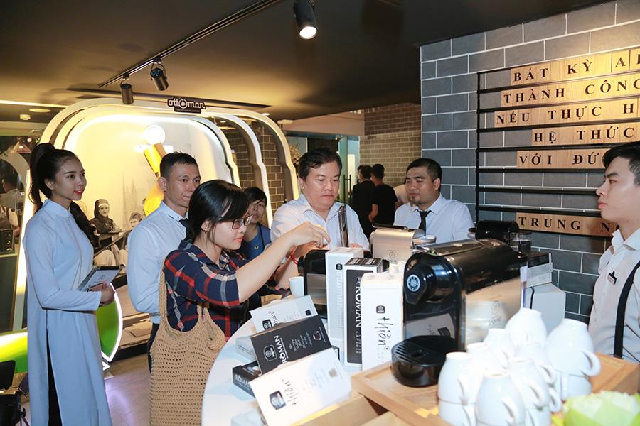Sự khác biệt của  viên nén cà phê rang xay Trung Nguyên Legend Capsule thu hút sự quan tâm của khách hàng tại Lễ ra mắt sản phẩm