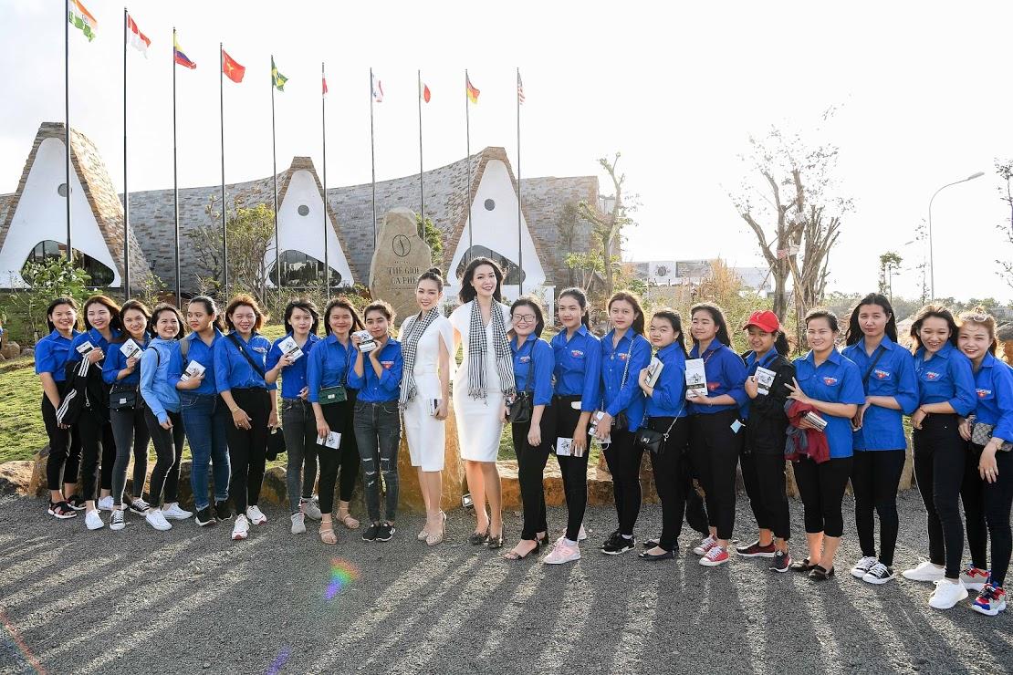 Hoa hậu Thùy Dung, Người đẹp Hồng Tuyết tự hào và hạnh phúc khi đồng hành cùng Hành trình Từ Trái Tim tại không gian Bảo tàng Thế giới Cà phê