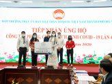 Gần 2,4 triệu đơn vị sản phẩm cà phê, hơn 30.000 cuốn sách hay được Tập đoàn Trung Nguyên Legend gửi tặng đến hàng chục ngàn người dân tại các khu cách ly tập trung ở Tp. Hà Nội, Tp.HCM và Đà Nẵng
