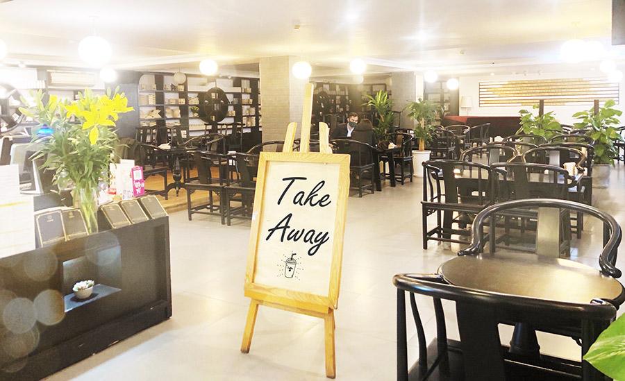 """Những cửa hàng Trung Nguyên Legend và Trung Nguyên E-Coffee trên toàn quốc đã tạm ngưng hoạt động, chuyển sang phục vụ """"take-away"""" – cà phê mang đi, giao hàng tận nơi, bán hàng trực tuyến… nhằm đảm bảo an toàn cho khách hàng và luôn phục vụ tận tâm những tuyệt phẩm cà phê năng lượng"""