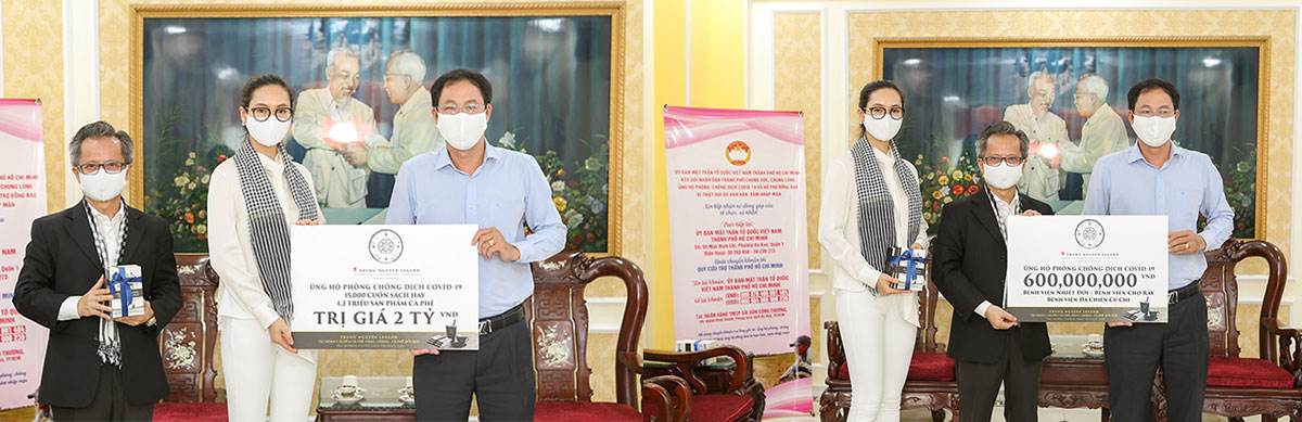 Cà phê năng lượng, những cuốn sách Nền Tảng Đổi Đời và hơn nửa tỷ tiền mặt đã được Trung Nguyên Legend trao tặng đến những người đang cách ly tập trung và các y bác sỹ, nhân viên y tế Bệnh viện Chợ Rẫy, Bệnh viện dã chiến Củ Chi và Bệnh viện Nhiệt đới Tp. Hồ Chí Minh.